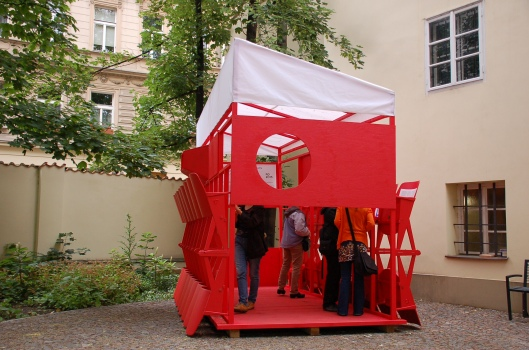 "Recycled Theater ""gazebo"". Photo: M. Perdriel"
