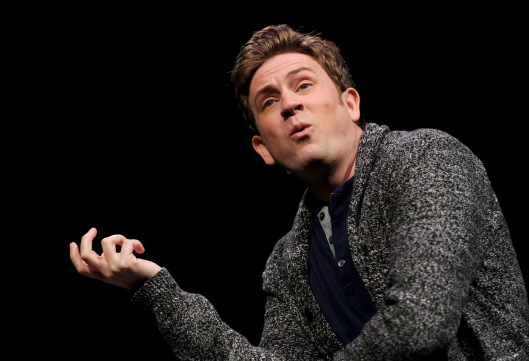 Tom Lenk (as Barbra) in BUYER & CELLAR